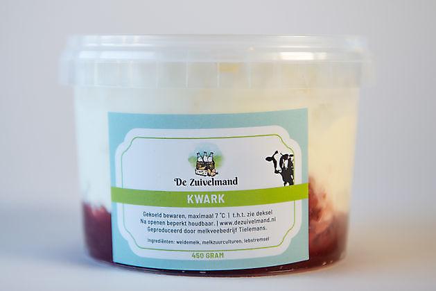 Kwark met aardbeiensmaak - De Zuivelmand Blijham